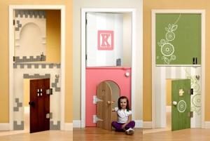 двери в детскую