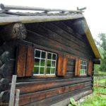 В строительстве деревянных старинных зданий способ конструкции определялся в зависимости от их предназначения.