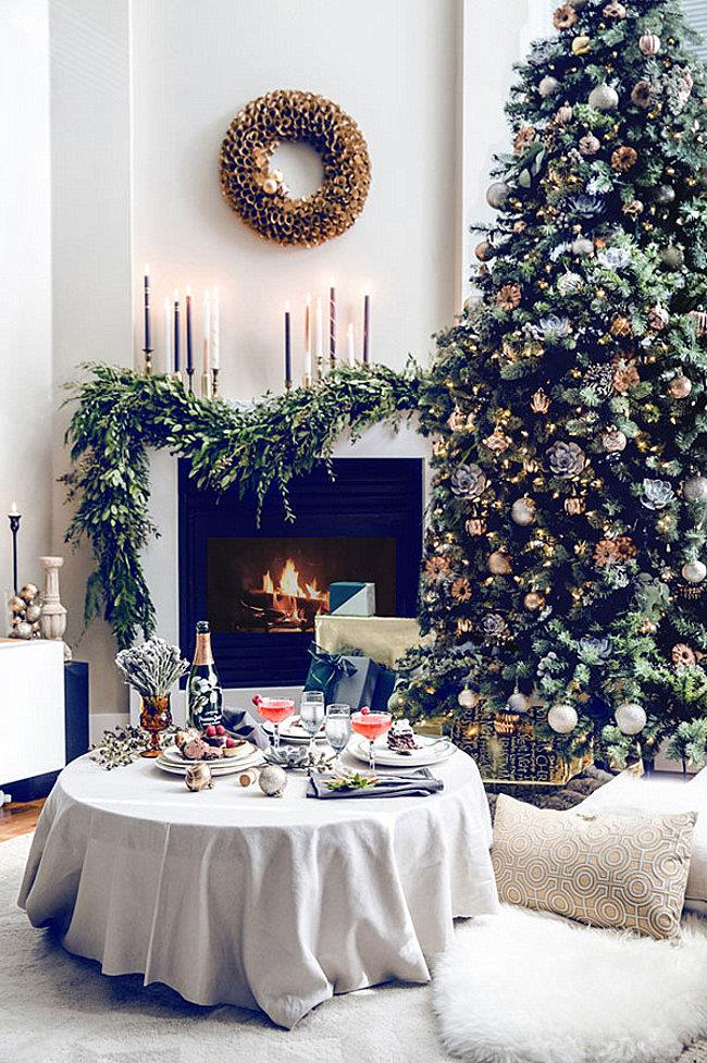 10 самых необычных новогодних елок для украшения гостиных