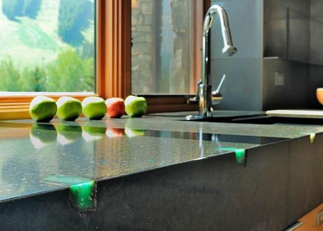 Бетонные столешницы в интерьере кухонь
