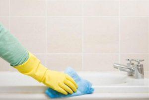 Что делать с облезшей краской в ванной?