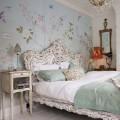 Цветы в интерьере спальни: украшаем помещение со вкусом