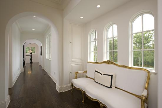 Дизайн интерьеров в белом цвете.