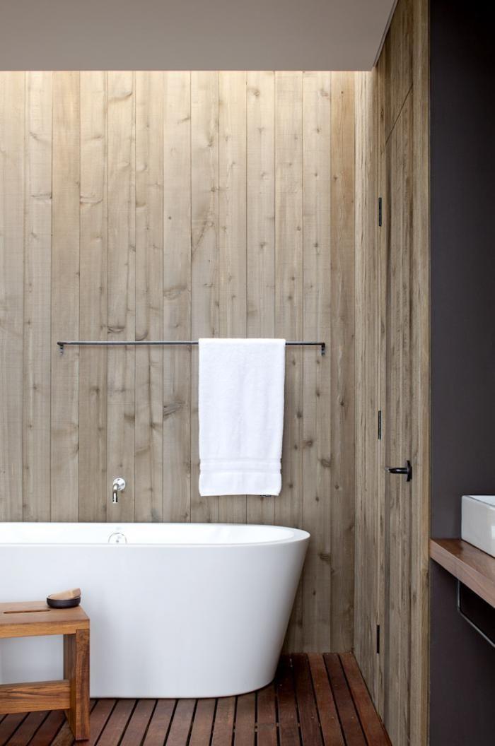 Экзотическое деревянное покрытие: полы в ванной комнате от дизайнера Изабеллы Симмонс