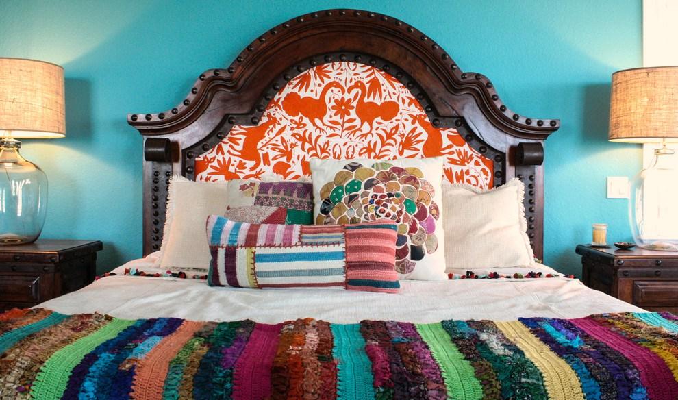 Изголовье кровати – элитная зона декора спальни