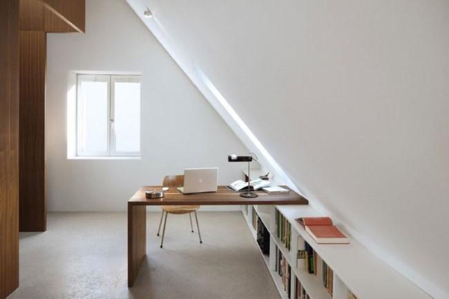 Как правильно использовать мансардное помещение: 15 стильных домашних кабинетов