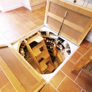 Как создать люк в подвал?