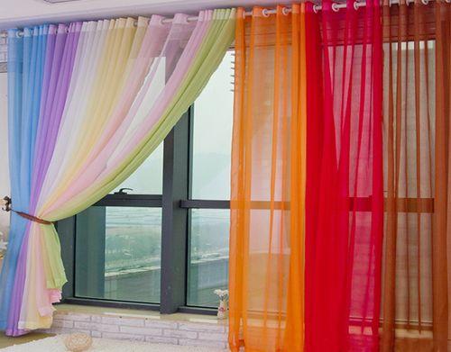 Как выбрать и повесить тюль на балкон