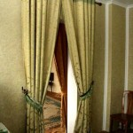 Какие бывают шторы для дверных проемов