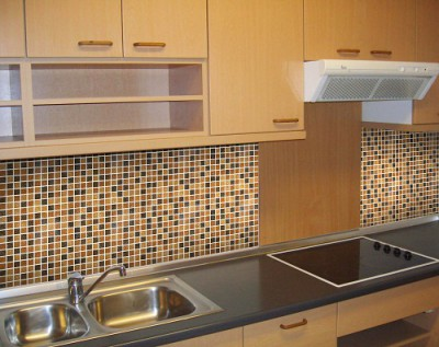 Какую плитку выбрать для кухни: ценные советы и видео-руководство