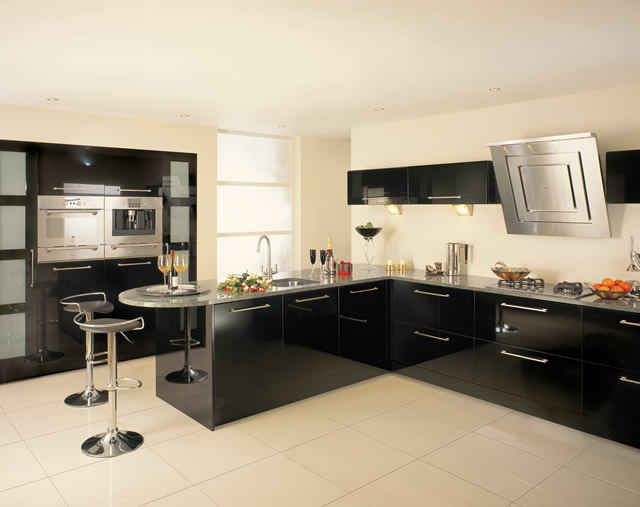 Кухня черного цвета — экстравагантно и дорого