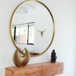 Настенное зеркало для прихожей дома или квартиры: 18 стильных дизайнерских вариантов