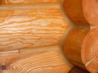 Обработка бревен дома из оцилиндрованного бревна защитными составами