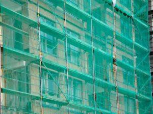 Особенности и характеристики строительной фасадной сетки