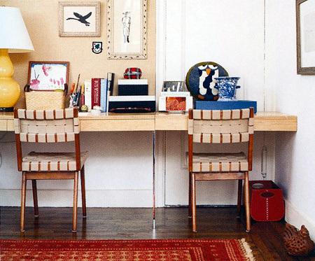 Письменный стол для двоих детей — высокая функциональность и экономия площади детской комнаты
