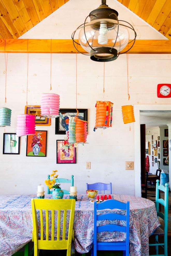 Стулья в интерьере кухни: разновидности и критерии выбора