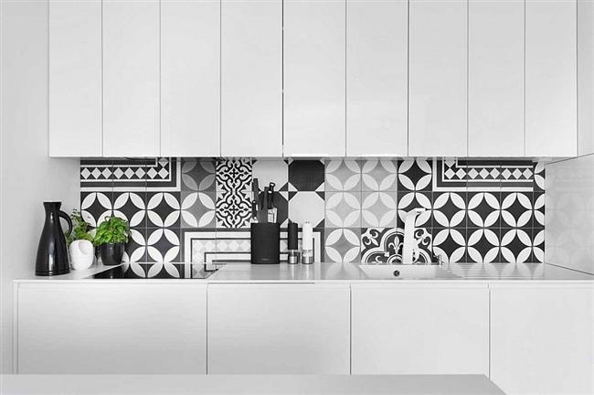 Уникальная современная квартира в Польше – образец правильного сочетания черного и белого цветов