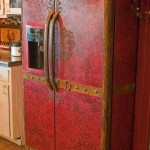Зачем и чем декорируют холодильник