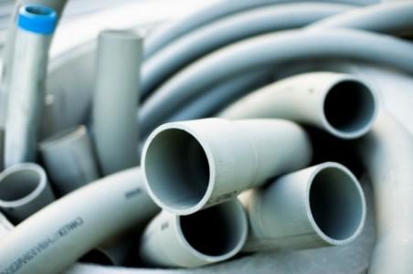 Замена труб водоснабжения в квартире: причины и выбор приоритетного способа