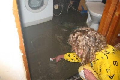 Затопили соседи сверху — что делать и кто виноват? Последовательность действий пострадавших